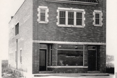 First Post Office— Hinton's Store. First post office at S.W. corner of Broadway and Beverly Drive. Dorothy Hinton, postmaster. (1935). Building acquired and destroyed by IDNL.