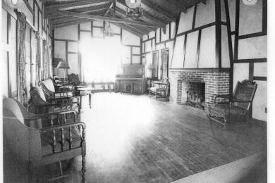 Clubhouse interior photo 2