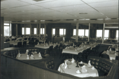 020-tables-set-for-dining